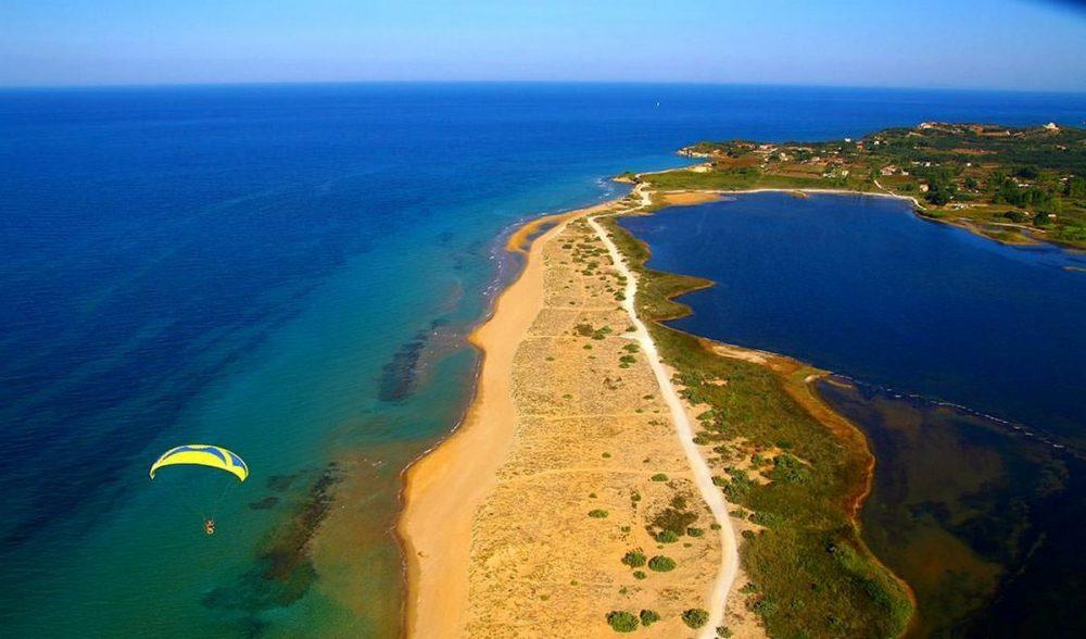 liostasi villas corfu Halikounas beach