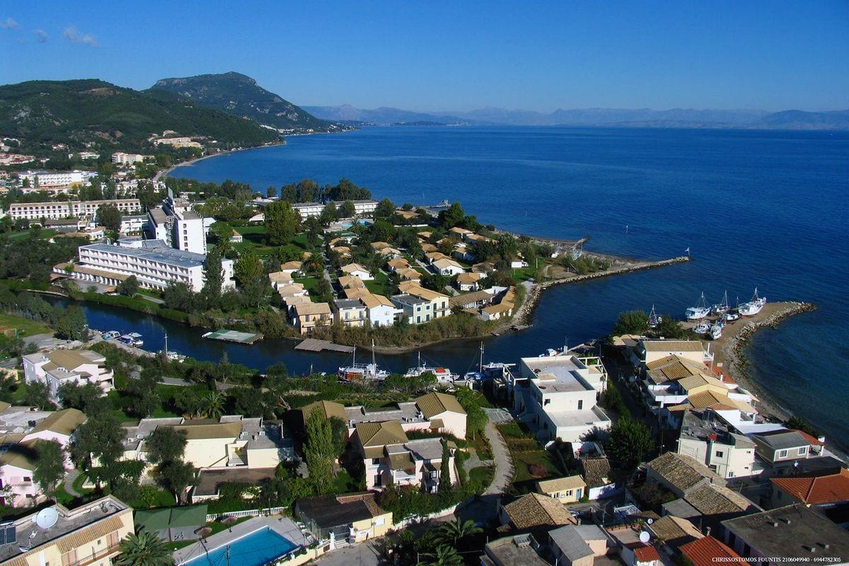 liostasi villas corfu Messonghi