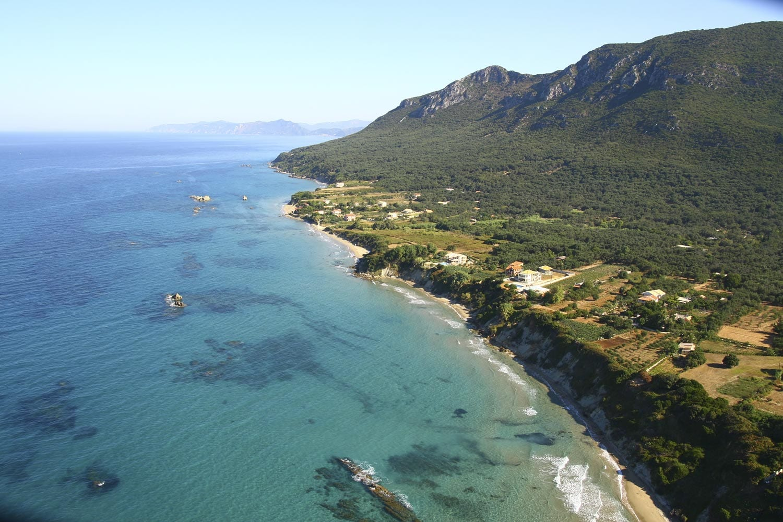 prasoudi skidi beach corfu liostasi villas
